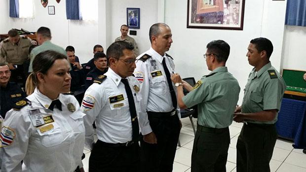 Escuela de polic a grad a oficiales en conducci n policial peri dico gente costa rica - Oficina policia nacional ...